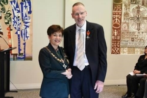 Image of Governor-General, Dame Patsy Reddy and Assoc Prof Rob Jacobs